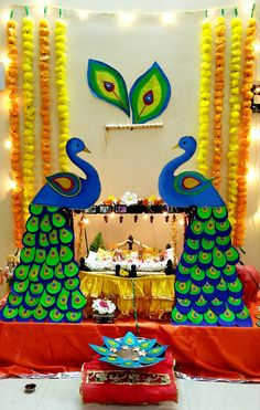 Janamashtami Decoration Ideas, Ganpati Decoration Theme, Mandir Decoration, Ganapati Decoration, Diy Diwali Decorations, Backdrop Decorations, Festival Decorations, Flower Decorations, Ganesh Chaturthi Decoration