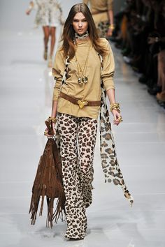 Blumarine Spring 2011 RTW - Review - Fashion Week - Runway, Fashion Shows and Collections - Vogue