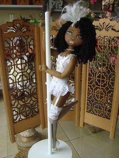 Bonecas de pano. Negra. Pole dance. Soraia Flores.