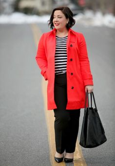Wardrobe Oxygen wearing an orange Ann Taylor trench with black and white stripes Petite Fashion, Plus Size Fashion, Plus Size Workwear, Interview Style, Fashion Over 40, Fashion Advice, Outfit Posts, What I Wore, Capsule Wardrobe