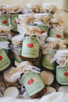Customized Apple Butter Wedding Favors | 10 Fall Wedding Favor Ideas | https://www.theknot.com/content/fall-wedding-favor-ideas