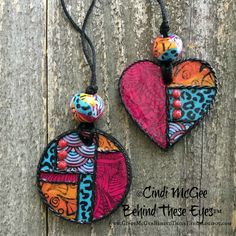 Blog with projects made with polymer clay and other mixed-media materials.