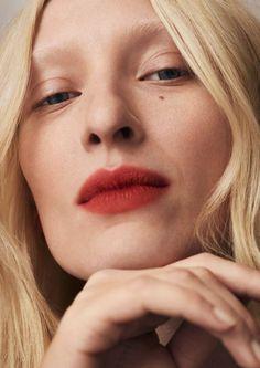 Maggie Maurer for Mac Makeup Inspo, Makeup Inspiration, Beauty Makeup, Hair Makeup, Hair Beauty, Mac Chili Lipstick, Fresh Face Makeup, Lipstick For Fair Skin, Summer Lipstick