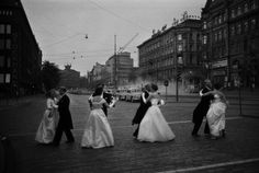 Caj Bremer is a big name in Finnish photojournalism. I love the shot of people waltzing on the streets of Helsinki. Robert Doisneau, History Of Finland, Cultural Identity, Dance Hall, Photojournalism, Helsinki, Beautiful Images, Les Oeuvres, Vintage Photos