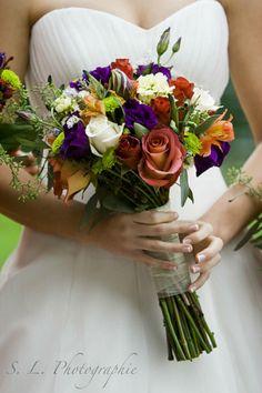 Bruidsboeketten in de herfst: warme kleuren in frisse tijden