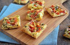 Snelle bladerdeeg mini pizza's -  ook lekker met salami in plaats van de cervelaat