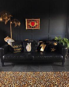 Eclectic Frames, Eclectic Decor, Dark Paint Colors, Floral Bedroom, Bedroom Decor, Bohemian Interior Design, Décor Boho, Bohemian Decor, Bohemian Furniture