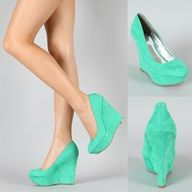 Shoesssss. Cute color. Cute style!