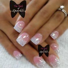 Nail art Christmas - the festive spirit on the nails. Over 70 creative ideas and tutorials - My Nails Sparkle Nails, Fancy Nails, Pink Nails, Glitter Tip Nails, Glitter French Manicure, Glittery Nails, Glow Nails, Gorgeous Nails, Pretty Nails