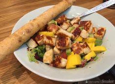 Sałatka z serem halloumi, mango i awokado