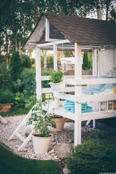 Building your little one a playhouse in the backyard will surely make them happy. However, you'll want it to be safe as well as beautiful. There are a few things you should know before you build a playhouse for kids. Backyard Playhouse, Build A Playhouse, Playhouse Ideas, Simple Playhouse, Outdoor Sheds, Outdoor Furniture Sets, Outdoor Decor, Building Plans, Play Houses