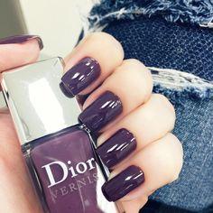 Unhas da semana por @milavaz no @celiofariabh: Purple Mix da Dior  #nails #unhasdachata