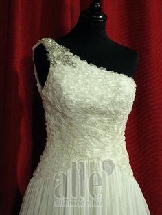 72d2b89ae1 Esküvői ruha szett B-40322 AlleMode esküvői ruhaszalon Budapest Teréz körút  12.