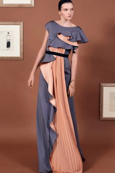 See the complete Vionnet Pre-Fall 2016 collection.