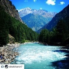 #Repost @shekharcr7 with @repostapp To get featured tag your posts with #talestreet Nature is the art of God :) #himachal #himachalpictures #_soi #soiwalks  #instahimachal #kasol #majestic #heaven #parvativalley #parvati #river #mountains #green #awesome #view #loveit #slrshot #exclusiveshot #peace #surge #travel #travelers #travelgram #igers