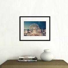@YellowKorner ''Wonder Wheel by Night Coney Isaland'' #FranckBohbot. Ce professionnel met en exergue les lumières et les couleurs, d'un paysage urbain nocturne. Livraison dans notre galerie de boulogne (92100) - Version 24x36 cm à partir de 71 €. #Photographie d'Art 92410 #Ville-d'Avray