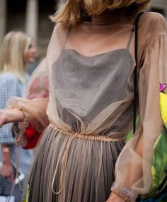 They Are Wearing: Paris Couture Week – WWD They Are Wearing: Paris Couture Week Street style at Paris Couture Week [Photo: Kuba Dabrowski] Looks Street Style, Looks Style, Style Me, Look Fashion, Fashion News, High Fashion, Fashion Design, Fashion 2018, Paris Fashion