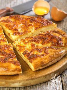 La Torta di formaggio è la rivisitazione di una ricetta georgiana, il Khachapuri, che è il classico finger street food diffusissimo e molto apprezzato!