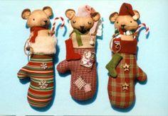 Primitive Pattern Mitten Mice Cute little mice stuffed into Christmas Mittens