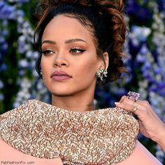 Rihanna at the Christian Dior Spring-Summer 2016 Fashion Show during Paris fashion week spring 2016 (October 2015). #rihanna