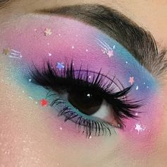 Amazing 40 Fancy Makeup Tips Ideas To Look Cute Any Event Loading. Amazing 40 Fancy Makeup Tips Ideas To Look Cute Any Event Fancy Makeup, Creative Makeup Looks, Eye Makeup Art, Cute Makeup, Pretty Makeup, Eyeshadow Makeup, Makeup Wings, Eyeshadow Ideas, Makeup Artistry