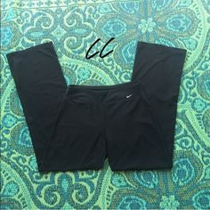 Nike Dri Fit Yoga Pants SMALL Perfect condition, barley shows use, worn three times. Super comfy! Awesome deal! ~Gently used♻️ ~Open to offers  ~Thanks for stopping by my closet ❤️❤️ Nike Pants