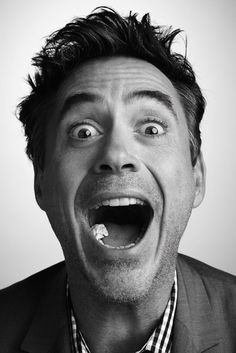 Robert Downey Jr. y su chicle