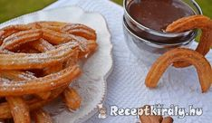 Troll a konyhámban: Churros csokis mártogatóssal Onion Rings, Churros, Sweet And Salty, Waffles, Toast, Homemade, Cookies, Troll, Breakfast