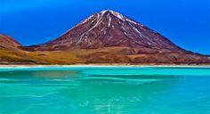 Salar de Uyuni (4 dias) Em um tour de 4 dias iremos visitar o Salar de Uyuni e os lugares mais atraentes de altiplano boliviano, começando e terminando em San Pedro de Atacama.