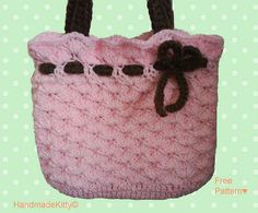 Pink Bag with bow crochet pattern by HandmadeKitty. Free Pink Bag with bow Crochet Pattern ♥ . Crochet Purses, Crochet Yarn, Free Crochet, Purse Patterns, Crochet Patterns, Chunky Yarn, Crochet Videos, Knitted Bags, Crochet Accessories