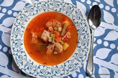 Ciorba sau bors din oase de porc reteta simpla | Savori Urbane Thai Red Curry, Urban, Meals, Ethnic Recipes, Soups, Breads, Power Supply Meals, Meal, Soup