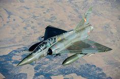 Photo: © R. Nicolas-Nelson / Armée de l'Air - flight refueling of a patrolling French Armée de l'Air Dassault Mirage 2000D equipped with GBU-12 above Gao (Mali).