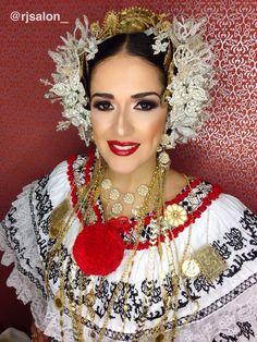 MIL POLLERAS 2016. LAS TABLAS R&J SALON @rjsalon_ 3948158/59 PREVIA CITA BETHANIA. CAMINO REAL @rodolfoalexander @jkharyn  #makeup #makeupartis  #tecnicas #artistas #contouringandhighlighting #milpolleras2016 #milpollerastvn  #lastablas #eyeperfectionprimer