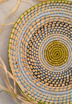 Weaving with raffia + embroidery thread! – String Harvest