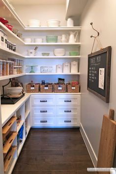 Organizing Schedules and Recipes (Sunny Side Up) Pantry Storage, Pantry Organization, Organizing Tips, Diy Storage, Kitchen Cupboards, Kitchen Items, Kitchen Pantry, Kitchen Utensils, Kitchen Tools