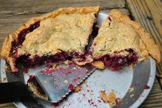 looks.so.good. gluten free blackberry pie   http://gabbysgfree.com/2011/07/pie-party-gluten-free-blackberry-pie-2/