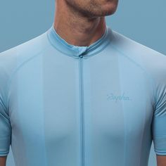 Whoever you are, wherever you ride, #RaphaCore offers the essentials in performance and functionality.  The collection is nothing more and nothing less than the basics, perfectly crafted to set the new standard in everyday ridewear.  View the brand new collection in the link in our bio.