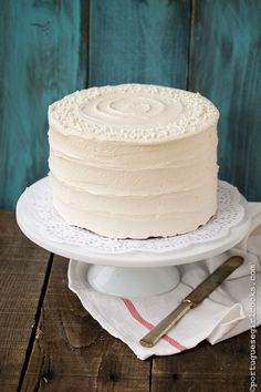 Holiday Spice cake with Eggnog Buttercream @Jessica (Portuguese Girl Cooks)