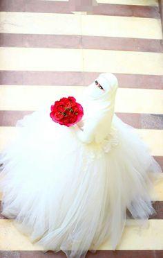 Muslimah Wedding Dress, Hijab Wedding Dresses, Pakistani Bridal Dresses, Bridal Hijab, Hijab Bride, Hijabi Girl, Girl Hijab, Beautiful Girl Image, Beautiful Bride