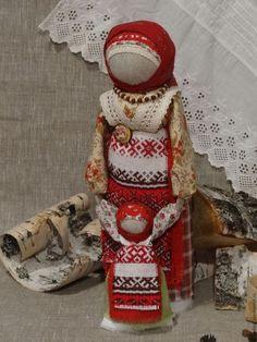 Купить или заказать Народная кукла Ведучка в интернет-магазине на Ярмарке Мастеров. Ведучка - Символ матери ведущей , направляющей своего ребенка в будущую жизнь. Очень теплый , душевный подарок-оберег для мамы , воспитателя , крестной и для своей семьи . Есть вариант изготовления куклы с сыночком .
