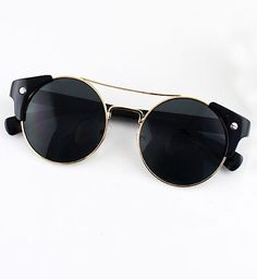 Best Summer Accessories 2017/2018 : Black Lenses Gold Round Sunglasses