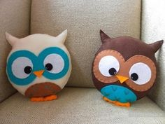 Felt owl pillows--for Rach Owl Crafts, Cute Crafts, Diy And Crafts, Crafts For Kids, Arts And Crafts, Cushions To Make, Diy Pillows, Throw Pillows, Decorative Pillows