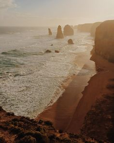 | AUSTRALIA HIGHLIGHTS - GREAT OCEAN ROAD | #australia #apostles #12apostles #greatoceanroad #victoria #melbourne #sunset #sunrise #nature #ocean #beach #sunmer #waves #surfing #love #amazing #beautiful #travel #solotravel #backpacking #eastcoast #vacation #happy #good by l.u.i.g.i