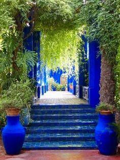 - very nice stuff - share it - The Visual Vamp Moroccan Garden, Moroccan Decor, Outdoor Spaces, Outdoor Living, Outdoor Decor, Exterior Design, Interior And Exterior, Moorish, Dream Garden