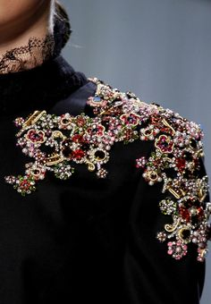 New Embroidery Fashion Detail Haute Couture Dresses Ideas Couture Mode, Style Couture, Couture Details, Fashion Details, Couture Fashion, Runway Fashion, High Fashion, Womens Fashion, Fashion Design