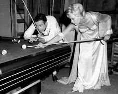 Jack Lemmon and Kim Novak play pool between shots of The Notorious Landlady 1962 Jack Lemmon, Old Hollywood Stars, Classic Hollywood, Hollywood Icons, Club Sportif, Kim Novak, Lets Play A Game, Play Pool, Billiards Pool