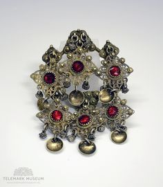 Folklore, Filigree, Museum, Brooch, Antiques, Clothing, Jewelry, Antiquities, Outfits