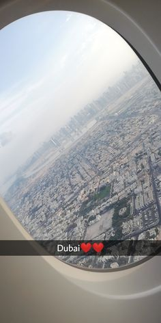 I was born to travel Airplane Photography, Tumblr Photography, Travel Photography, Dubai Vacation, Dubai Travel, Dubai Airport, Dubai City, Airplane Window View, Airport Photos