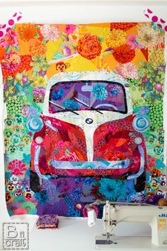 I love this quilt top made by Karolina Bąkowska / B-Craft. Notice the big prints and, if I'm not mistaken, the fabric is all by Kaffe Fassett. Quilting Projects, Quilting Designs, Art Quilting, Quilting Ideas, Quilt Modernen, Colorful Quilts, Landscape Quilts, Textiles, Mini Quilts
