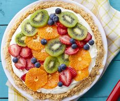 fruity tart, slices of different fruits on top, kiwi and orange, strawberries and raspberries, easy dessert recipes Fruit Cheesecake, Cheesecake Recipes, Pie Recipes, Dessert Recipes, Classic Cheesecake, Easy Brunch Recipes, Easy No Bake Desserts, Delicious Desserts, Easter Pie